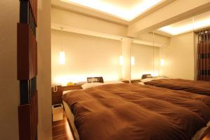 新潟ラブホテル ムスク 501号室ベッド