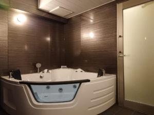 新潟ラブホテル ムスク 501号室 内風呂ジャグジー