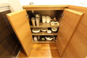 新潟ラブホテル ムスク 501号室 備え付け食器、キッチン用品